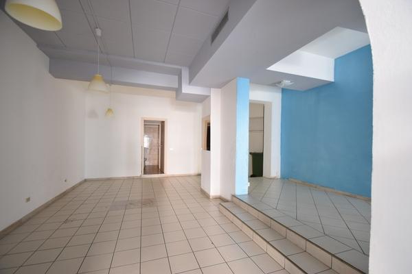 interno (10)_10 - NEGOZIO LUINO (VA) CENTRO