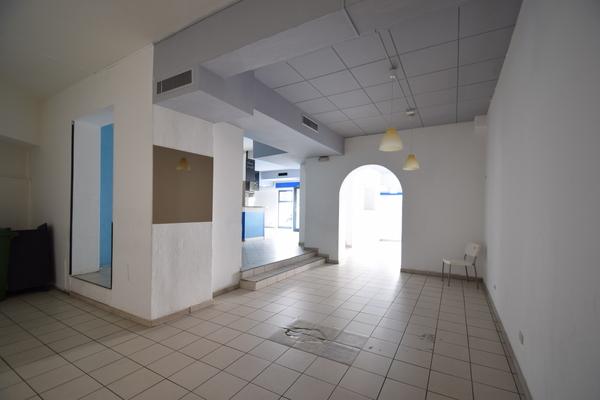 interno (1)_09 - NEGOZIO LUINO (VA) CENTRO