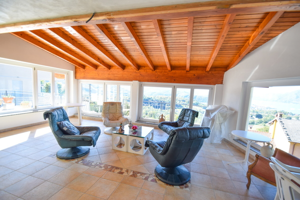 02-1 veranda-soggiorno_02 - VILLA LUINO (VA) MOTTE