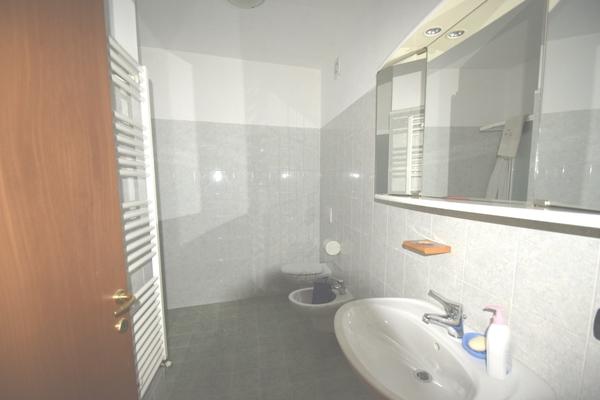 bagno01 p.p._0 - APPARTAMENTO LUINO (VA) CENTRO