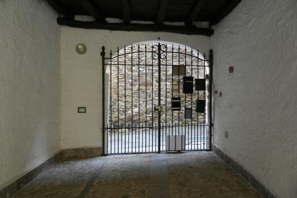 cancello ingresso_0 - APPARTAMENTO MONTEGRINO VALTRAVAGLIA (VA) CENTRO