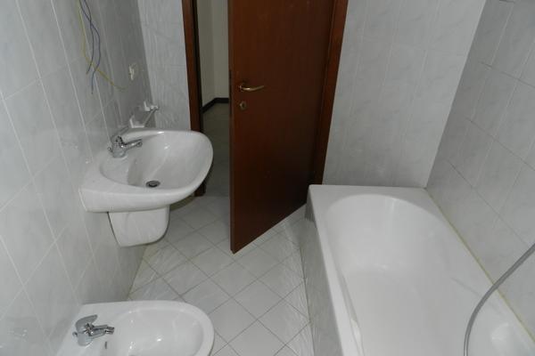 bagno 1p3_0 - APPARTAMENTO MONTEGRINO VALTRAVAGLIA (VA) CENTRO