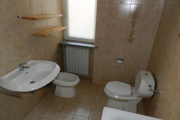 bagno3_0 - APPARTAMENTO BREZZO DI BEDERO (VA) BREZZO, CENTRO