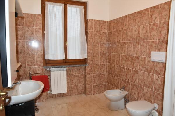 10 bagno p.t_09 - UNIFAM. GEMELLARE/BIFAM. LEGGIUNO (VA) AROLO