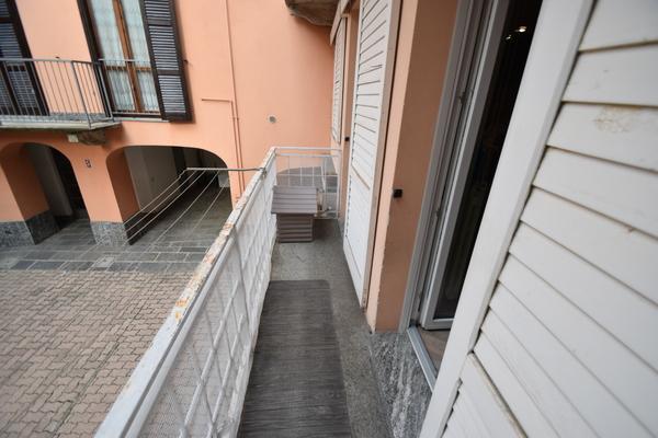 03 balcone 1p_04 - PORZIONE DI FABBRICATO LUINO (VA) CENTRO STORICO