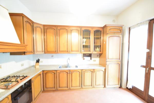 05-2 cucina_10 - VILLA BREZZO DI BEDERO (VA) BREZZO