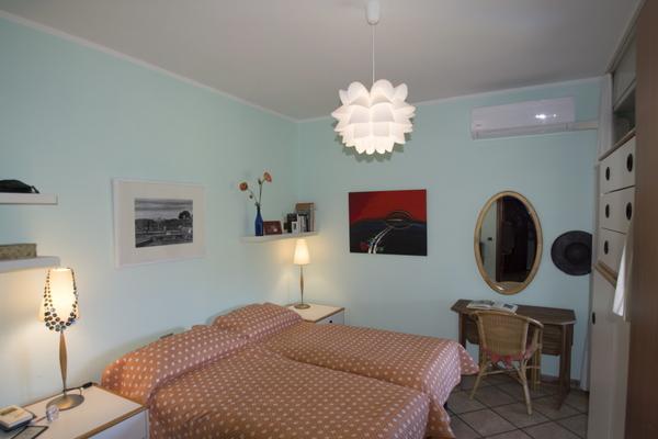 06-1 camera da letto1_09 - APPARTAMENTO GERMIGNAGA (VA) SEMICENTRO
