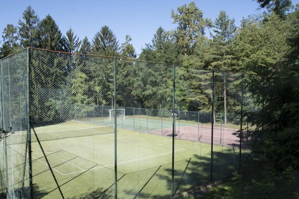 12-1 campo tennis e calcetto_2 - APPARTAMENTO GERMIGNAGA (VA) SEMICENTRO