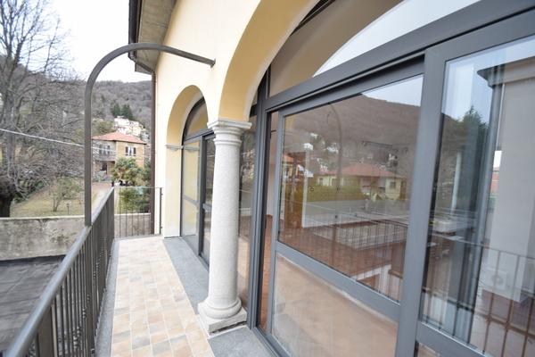 02 balcone (2) - APPARTAMENTO ARCISATE (VA) CENTRO