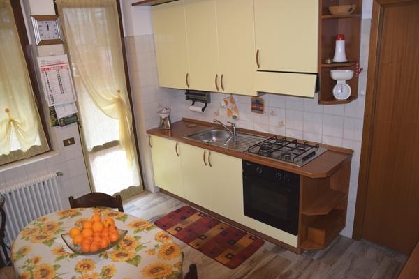 11 p.r. cucina01_0 - UNIFAM. GEMELLARE/BIFAM. LUINO (VA) GERMIGNAGA