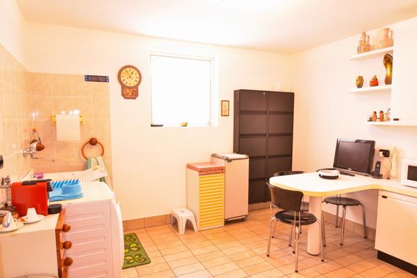 17-1 lavanderia seminterrato - VILLA BREZZO DI BEDERO (VA)