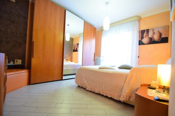 05-1 camera matrimoniale_07 - apartment LUINO (VA) SEMICENTRO