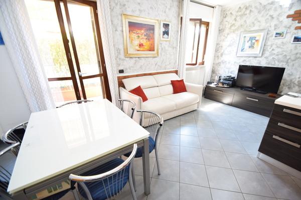 03-1 soggiorno-zona pranzo_04 - apartment LUINO (VA) SEMICENTRO