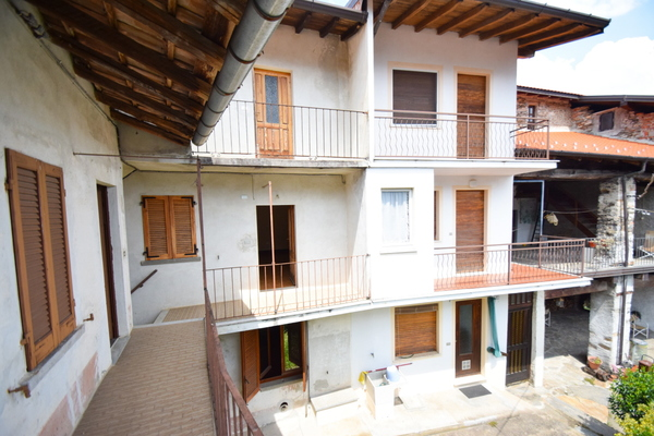 07_2 balcone p1°_10 - PORZIONE DI FABBRICATO BRISSAGO VALTRAVAGLIA (VA) CENTRO