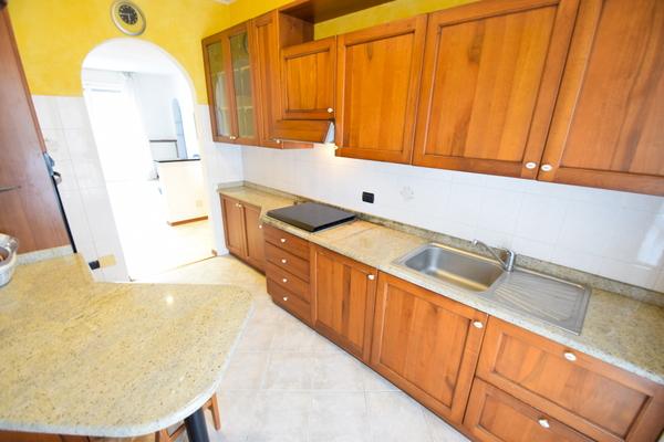 03-2 cucina_06 - Apartment LUINO (VA) SEMICENTRO