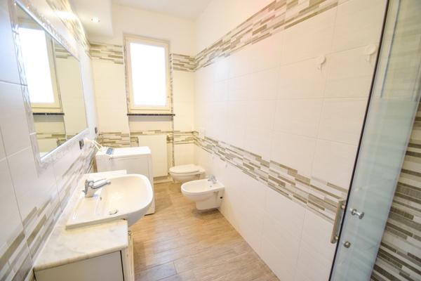 06-1 bagno_12 - Apartment LUINO (VA) SEMICENTRO