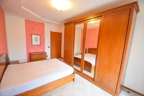 04-3 camera matrimoniale_09 - Apartment LUINO (VA) SEMICENTRO