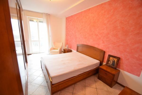 04-1 camera matrimoniale_07 - Apartment LUINO (VA) SEMICENTRO