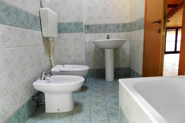 bagno mansarda2_0 - PORZIONE DI FABBRICATO LUINO (VA) VOLDOMINO SUP.