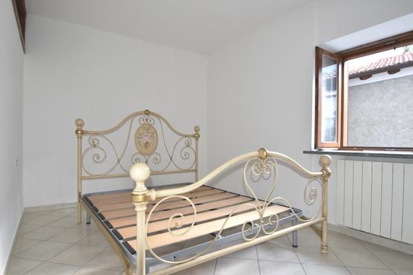 camera da letto01_0 - APPARTAMENTO PORTO VALTRAVAGLIA (VA) MUCENO